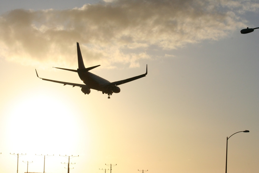 Start Your Holiday From the Airport With Tenerife Car Hire